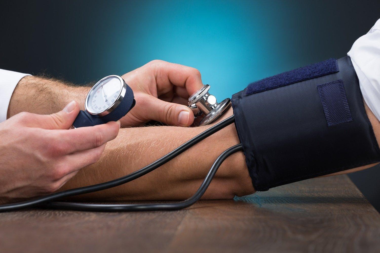 Povišeni krvni tlak zbog bijele kute - Zdravo budi