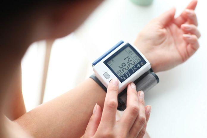 visoki krvni tlak mehanizmom