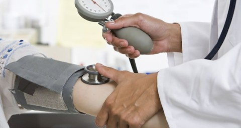 da li visok krvni tlak zbog invalidnosti