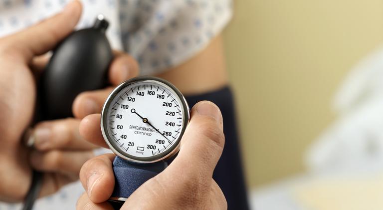 registracija s hipertenzijom hipertenzije, zamagljen vid