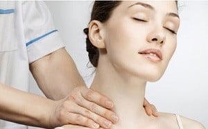 Pečeća bol u vratu, gori - Masaža -