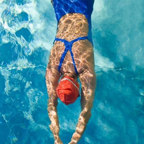 kupanje u bazenu i hipertenzije)