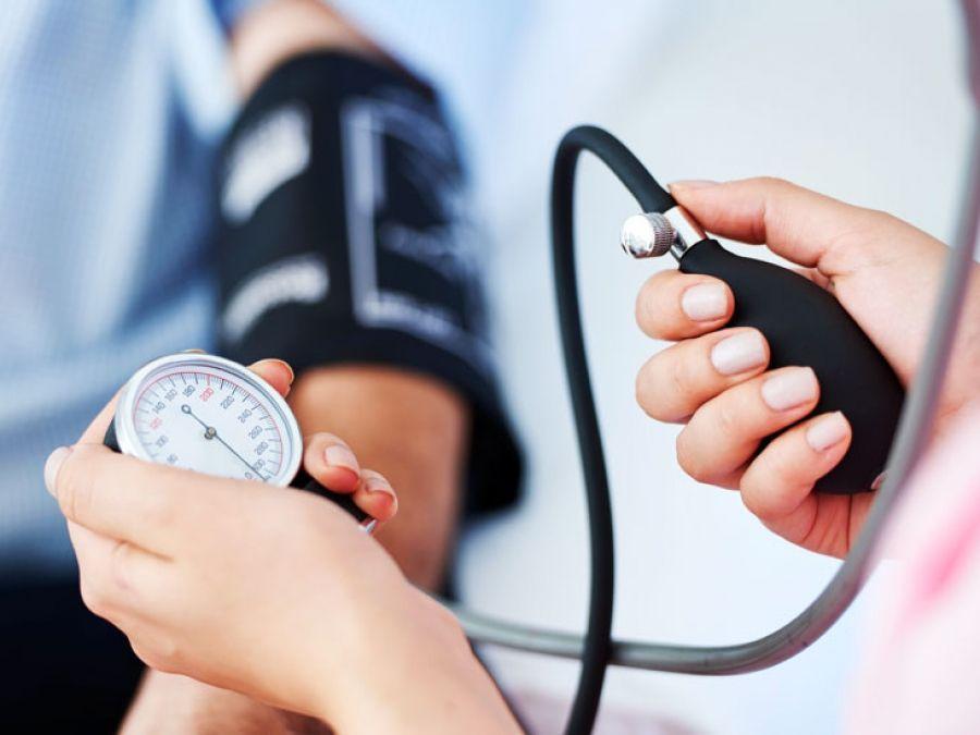 hipertenzija i smrt)