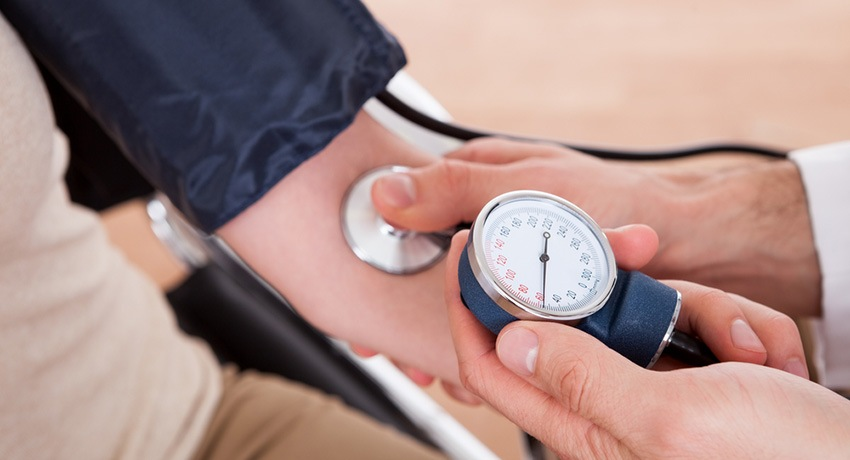 hipertenzija u standardu hitne)